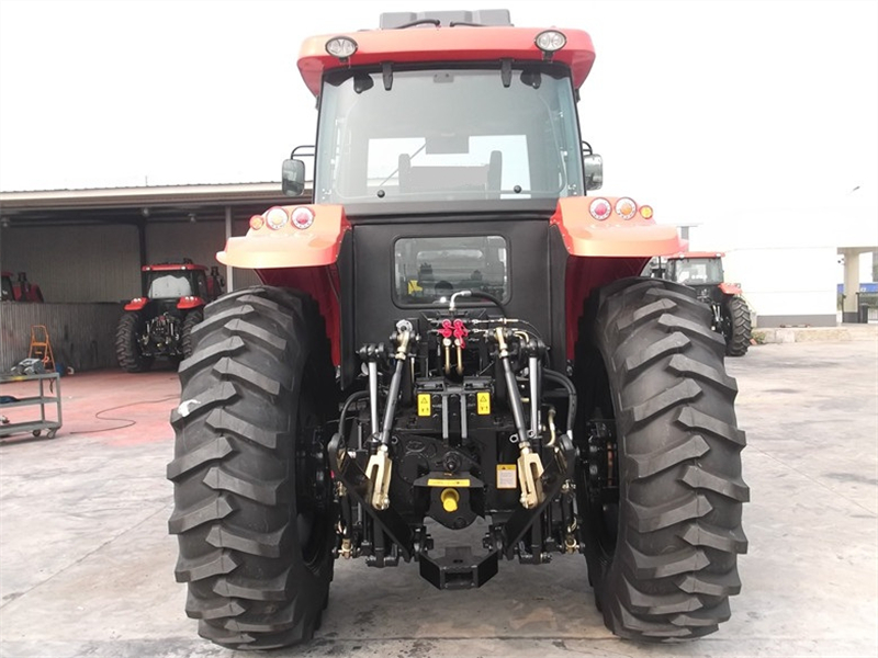 KAT 1304A tractor