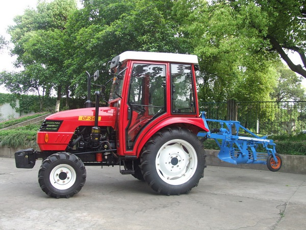 DF244 Tractor
